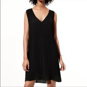 Aritzia Babaton Mathis Chiffon Pleated Dress